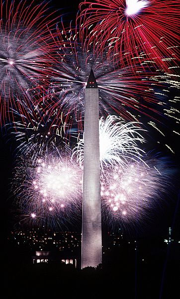 362px-Fourth_of_July_fireworks_behind_the_Washington_Monument,_1986.jpg